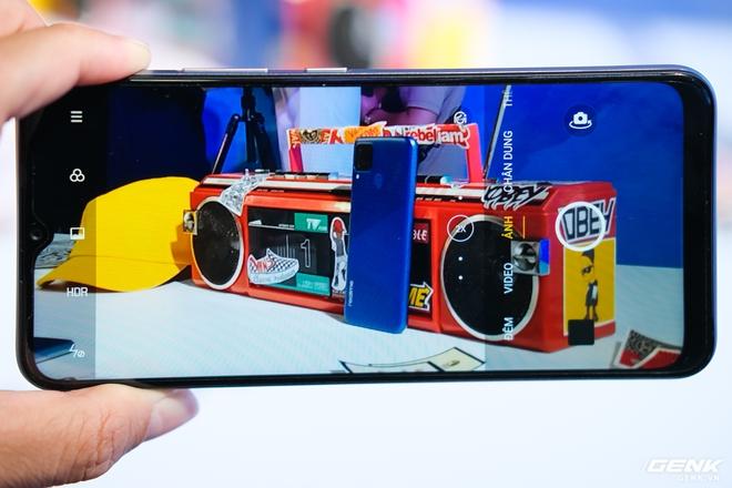 Trên tay Realme C15 tại Việt Nam: Thiết kế giống C12, thêm 1 camera sau, tăng thêm 1GB RAM, chạy Snapdragon 460, giá 4,19 triệu đồng - Ảnh 6.