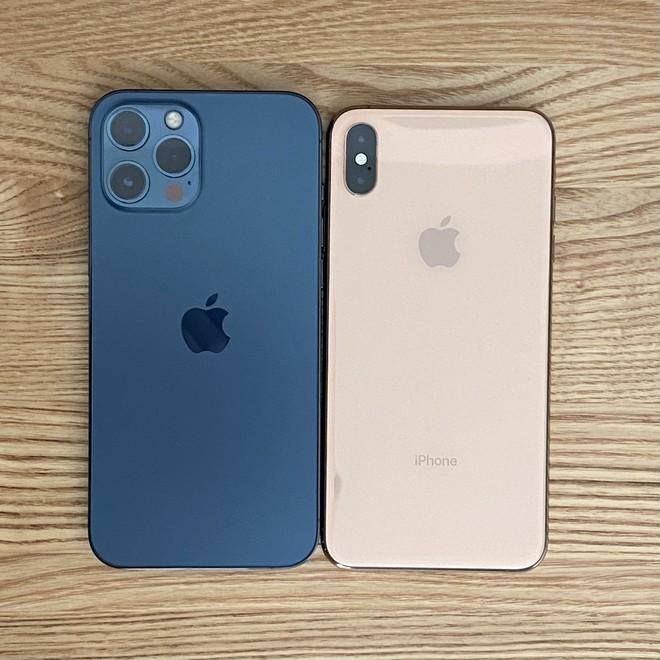 iPhone 12 Pro Max và iPhone 12 mini bắt đầu đến tay người dùng thế giới, hàng xách tay đang rục rịch về Việt Nam - Ảnh 3.