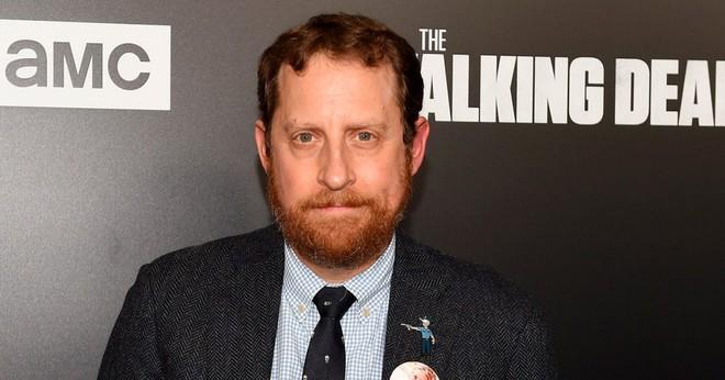 Không chỉ fan, biên kịch The Walking Dead cũng không nuốt trôi cái chết tàn bạo của Glenn và Abraham - Ảnh 3.