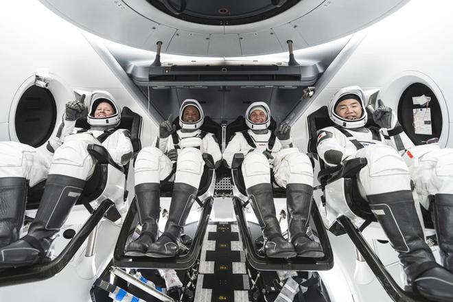 NASA hợp tác với SpaceX, thực hiện chuyến bay lịch sử mang nhiều cái đầu tiên nhất lên Trạm Vũ trụ Quốc tế ISS - Ảnh 3.