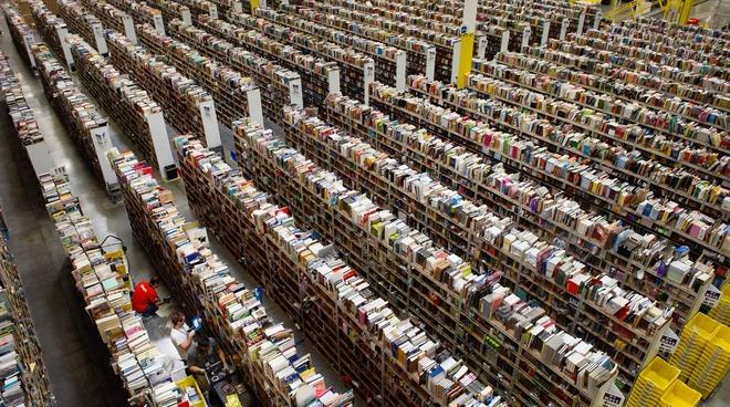Nhân viên Amazon đánh cắp số hàng iPhone 12 trị giá hơn nửa triệu USD - Ảnh 1.