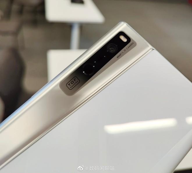 OPPO ra mắt X 2021: Smartphone với màn hình có thể cuộn lại đầu tiên trên thế giới - Ảnh 11.