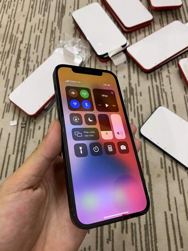 iPhone 12 Lock về Việt Nam: Giá 18 triệu nhưng nghe gọi không ổn định - Ảnh 2.