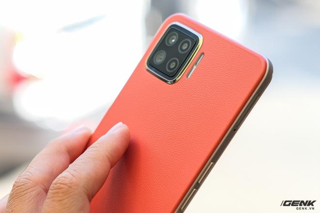 Trên tay OPPO A73 tại Việt Nam: Thiết kế khá retro, 4 camera sau, màn hình AMOLED, sạc nhanh VOOC 4 30W, giá chưa đến 5 triệu đồng - Ảnh 2.
