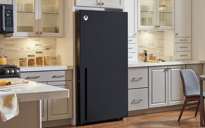 """Bị cộng đồng mạng chế meme vì Xbox Series X trông giống tủ lạnh, Microsoft có cách """"phản dam"""" không thể chất hơn - Ảnh 1."""