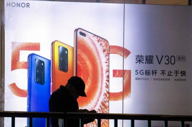 Hậu chia tay Huawei, Honor sẽ phải đối mặt với những thách thức khôn lường sau khi về tay chủ mới - Ảnh 2.