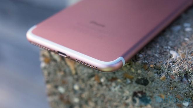 Những pha marketing smartphone khiến người xem phải lắc đầu - Ảnh 8.