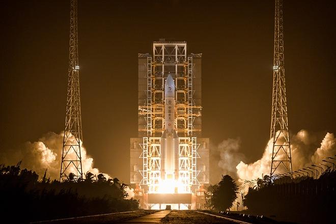Trung Quốc vừa phóng tàu thám hiểm lên Mặt Trăng với mục tiêu gom về 2 kg đất đá - Ảnh 2.