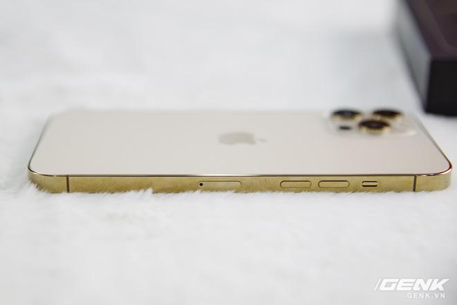 Trước giờ G mở bán iPhone 12: Hàng xách tay dù giảm giá nhưng khả năng vẫn khó hút khách - Ảnh 2.