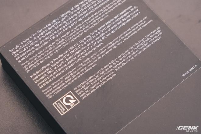 Mở hộp iPhone 12 Pro Max chính hãng VN/A đang khan hiếm hàng trên toàn quốc - Ảnh 5.