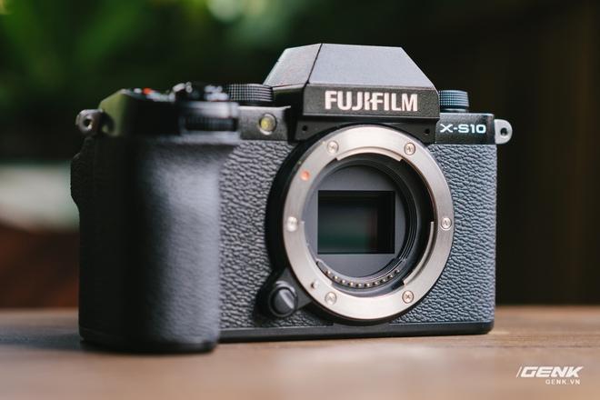 Trên tay Fuji X-S10: Máy ảnh Fujifilm dành cho người chưa từng dùng Fujifilm - Ảnh 12.