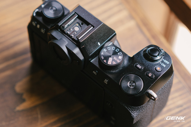 Trên tay Fuji X-S10: Máy ảnh Fujifilm dành cho người chưa từng dùng Fujifilm - Ảnh 5.