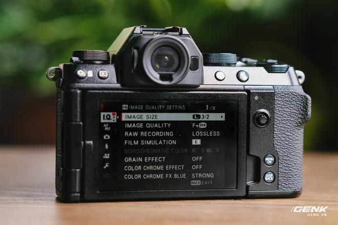 Trên tay Fuji X-S10: Máy ảnh Fujifilm dành cho người chưa từng dùng Fujifilm - Ảnh 10.
