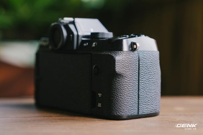Trên tay Fuji X-S10: Máy ảnh Fujifilm dành cho người chưa từng dùng Fujifilm - Ảnh 3.