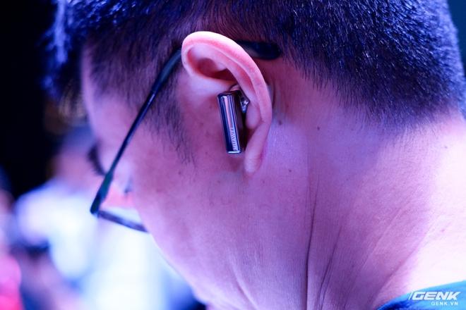 Cận cảnh tai nghe không dây Huawei FreeBuds Pro tại Việt Nam: Màu sắc đẹp mắt, chống ồn 40dB, driver 11mm, công nghệ mới giúp kết nối ổn định hơn - Ảnh 7.
