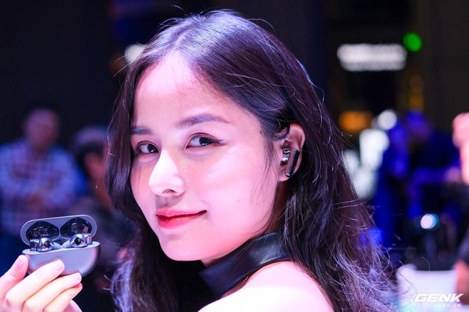 Cận cảnh tai nghe không dây Huawei FreeBuds Pro tại Việt Nam: Màu sắc đẹp mắt, chống ồn 40dB, driver 11mm, công nghệ mới giúp kết nối ổn định hơn - Ảnh 5.