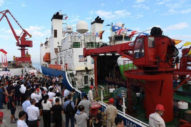 Tàu ngầm Trung Quốc chạm đáy vực Mariana - nơi được cho là sâu nhất đại dương và livestream về - Ảnh 1.