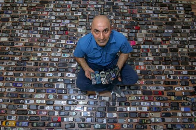 Choáng ngợp với bộ sưu tập điện thoại di động trong 20 năm của người đàn ông Thổ Nhĩ Kỳ - Ảnh 8.