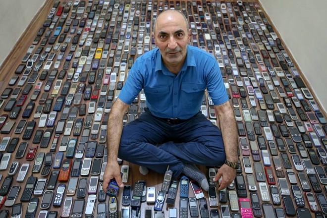 Choáng ngợp với bộ sưu tập điện thoại di động trong 20 năm của người đàn ông Thổ Nhĩ Kỳ - Ảnh 10.