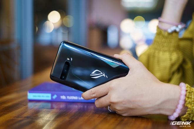 Đánh giá ASUS ROG Phone 3: chiếc smartphone đa nhân cách lúc xịn lúc xịt - Ảnh 3.