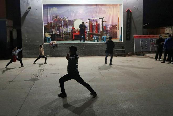 Háng sắt: Môn kungfu dành cho người dám chịu nỗi đau không ai thấu - Ảnh 3.