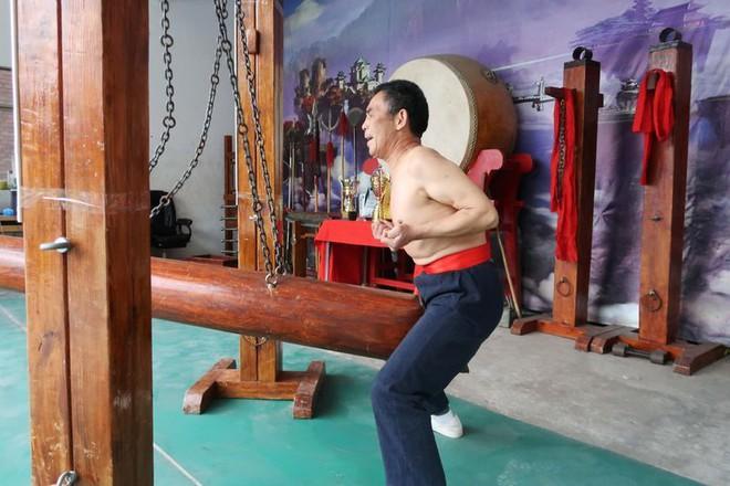 Háng sắt: Môn kungfu dành cho người dám chịu nỗi đau không ai thấu - Ảnh 1.