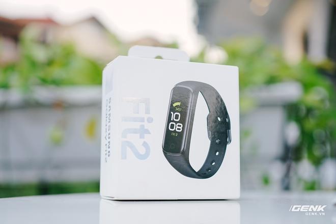 Chi tiết Galaxy Fit2: Smartband đáng mua trong phân khúc dưới 1 triệu đồng - Ảnh 1.