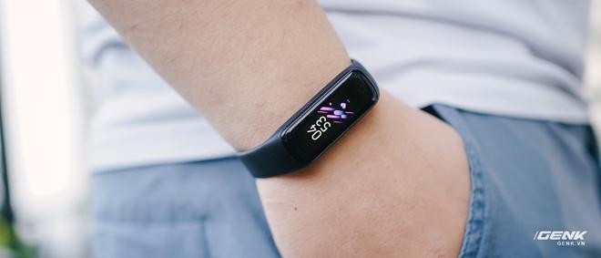 Chi tiết Galaxy Fit2: Smartband đáng mua trong phân khúc dưới 1 triệu đồng - Ảnh 14.