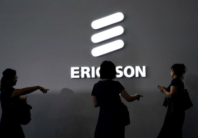 Ericsson kiện Samsung vì không chịu trả tiền bản quyền bằng sáng chế, ảnh hưởng đến doanh thu của hãng - Ảnh 1.