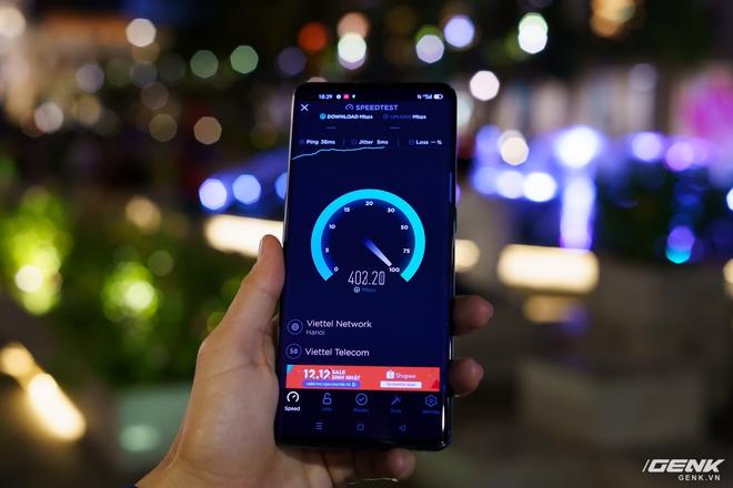 Trải nghiệm tốc độ mạng 5G Viettel tại TP.HCM: Tải về nhanh gấp 10 lần 4G, nhưng vùng phủ sóng còn hạn chế - Ảnh 1.