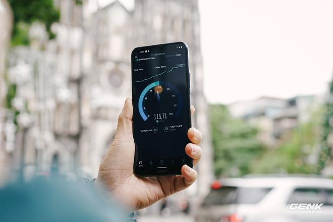 VinaPhone phát sóng 5G tại phố đi bộ Hoàn Kiếm: Tốc độ tối đa đạt 1.3Gbps, tải PUBG Mobile chỉ mất 30 giây - Ảnh 6.