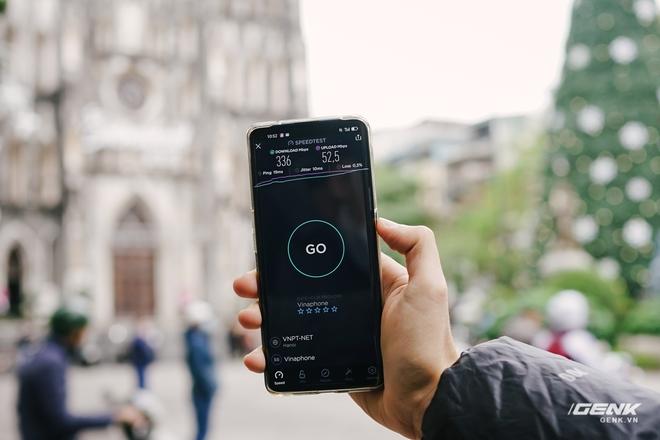 VinaPhone phát sóng 5G tại phố đi bộ Hoàn Kiếm: Tốc độ tối đa đạt 1.3Gbps, tải PUBG Mobile chỉ mất 30 giây - Ảnh 5.