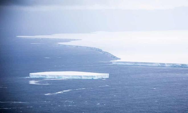Rộng tới 4.200 km2, tảng băng trôi lớn nhất thế giới này sắp gây ra sự kiện đại thảm họa - Ảnh 1.