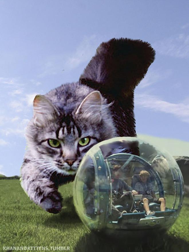 Chết cười với chùm ảnh Công viên kỷ Jura nhưng khủng long được thay thế bằng mèo và chồn - Ảnh 10.