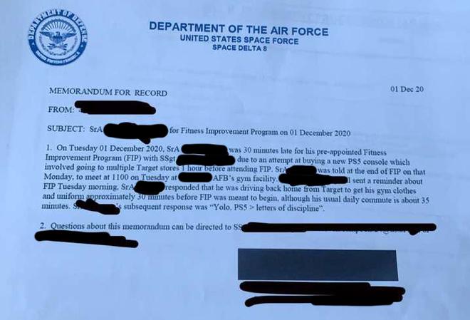 Thành viên của Lực lượng Không gian Mỹ bị giáng chức vì trốn buổi tập để đi mua PS5 - Ảnh 1.