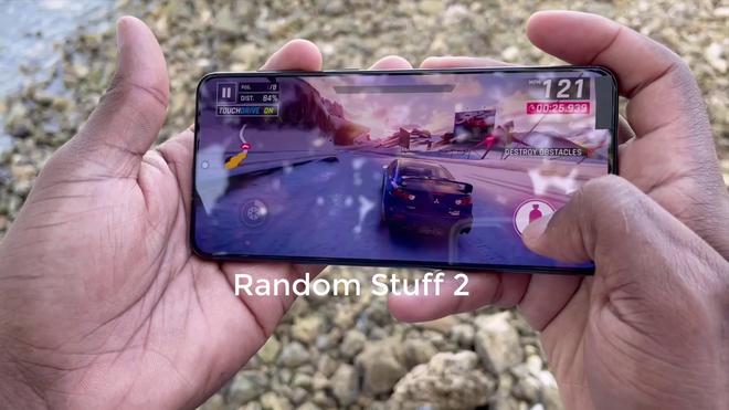 Chưa ra mắt nhưng Galaxy S21+ đã có đánh giá: Cảm giác cầm nắm cao cấp, cảm biến vân tay nhanh hơn, thời lượng pin ấn tượng - Ảnh 5.