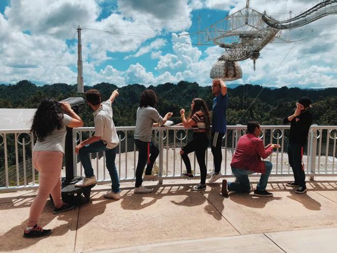 Chưa kịp tháo dỡ, kính viễn vọng khổng lồ của Đài quan sát Arecibo đã sập - Ảnh 3.