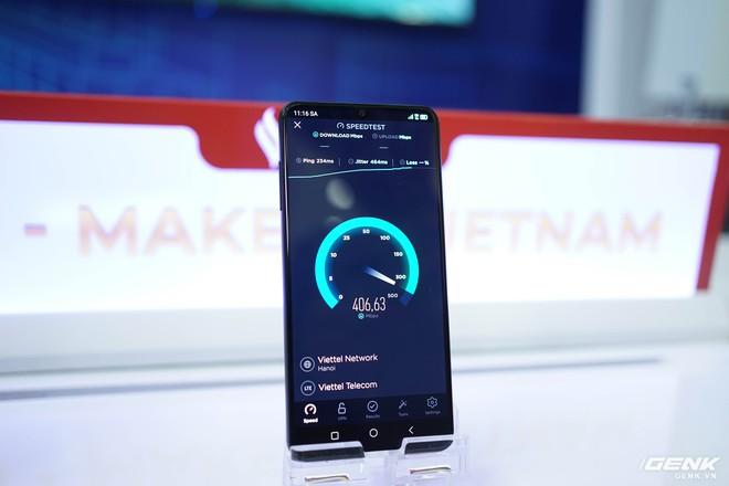 VinSmart bán smartphone 5G tại Mỹ trước Việt Nam - Ảnh 1.