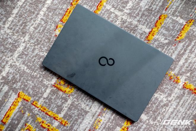 Fujitsu ra mắt laptop nhẹ nhất Việt Nam, sử dụng chip Intel thế hệ 11 Tiger Lake, giá từ 30 triệu đồng - Ảnh 3.