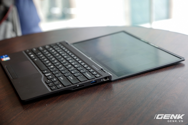 Fujitsu ra mắt laptop nhẹ nhất Việt Nam, sử dụng chip Intel thế hệ 11 Tiger Lake, giá từ 30 triệu đồng - Ảnh 18.