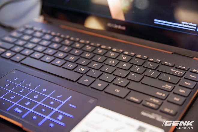 ASUS trình làng bộ đôi Zenbook Flip: thiết kế siêu mỏng, có thể gập mở 360 độ, màn hình OLED giá từ 26 triệu đồng - Ảnh 17.