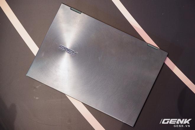 ASUS trình làng bộ đôi Zenbook Flip: thiết kế siêu mỏng, có thể gập mở 360 độ, màn hình OLED giá từ 26 triệu đồng - Ảnh 4.