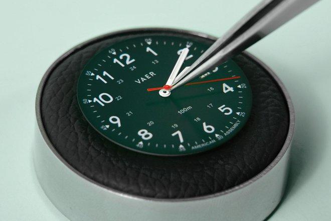 Vì sao đồng hồ lại cần phải có kim giây? - Ảnh 1.