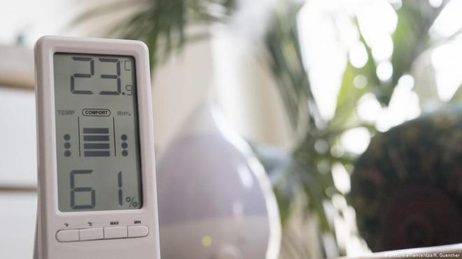Muốn hệ miễn dịch khoẻ mạnh và phòng ngừa COVID-19, chuyên gia khuyến cáo nên để độ ẩm trong nhà từ 40-60% - Ảnh 2.
