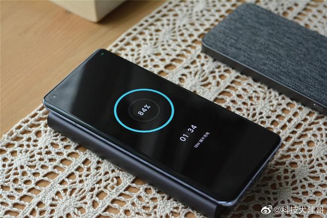 Cận cảnh Xiaomi Mi 11 vừa ra mắt: Thiết kế camera mới, có thêm bản mặt lưng da, màn hình và hiệu năng nâng cấp mạnh, giá từ 14.2 triệu - Ảnh 12.