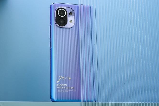 Cận cảnh Xiaomi Mi 11 vừa ra mắt: Thiết kế camera mới, có thêm bản mặt lưng da, màn hình và hiệu năng nâng cấp mạnh, giá từ 14.2 triệu - Ảnh 14.