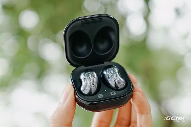 Chi tiết Galaxy Buds Live và AirPods Pro: Ngoài giá bán, Buds Live còn có ưu điểm gì hơn? - Ảnh 2.