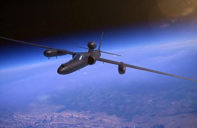 Lần đầu tiên trên thế giới AI được dùng để điều khiển máy bay quân sự - Ảnh 1.