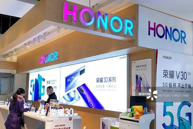 Honor hồi sinh sau khi tách khỏi Huawei, được cấp giấy phép hợp tác với Microsoft - Ảnh 1.