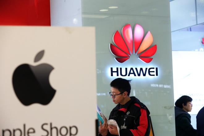 Mẹo làm giàu mới ở Trung Quốc: Nếu muốn kiếm tiền, hãy tích trữ điện thoại Huawei - Ảnh 2.